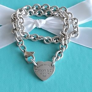 Heart tag link choker necklace